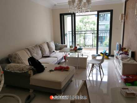 出租:恒大江湾 精装 家电家具齐全 3房2厅1卫 2200元/月