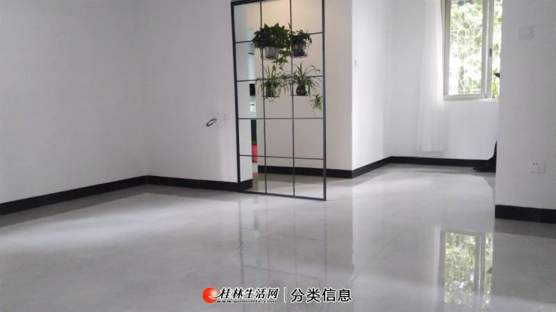 C翠竹路  全新精装三房 88平 有钥匙  3楼 有公用杂物间
