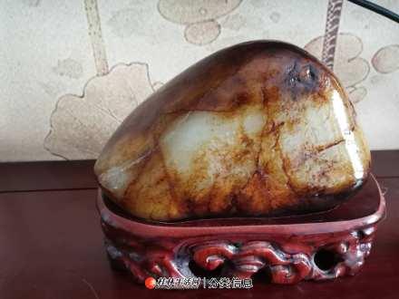 收收藏臻品原石【元宝】玉龙喀什河和田玉原料摆件 4471g