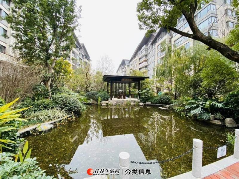 兴进漓江郡府117㎡【楼王】3房2厅2卫带前后60㎡花园仅售149万