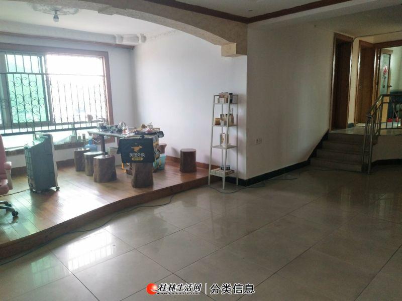 低于市场价急售!象山区香江饭店对面 蔚卫思大厦4房2厅2卫180.47平仅售80万