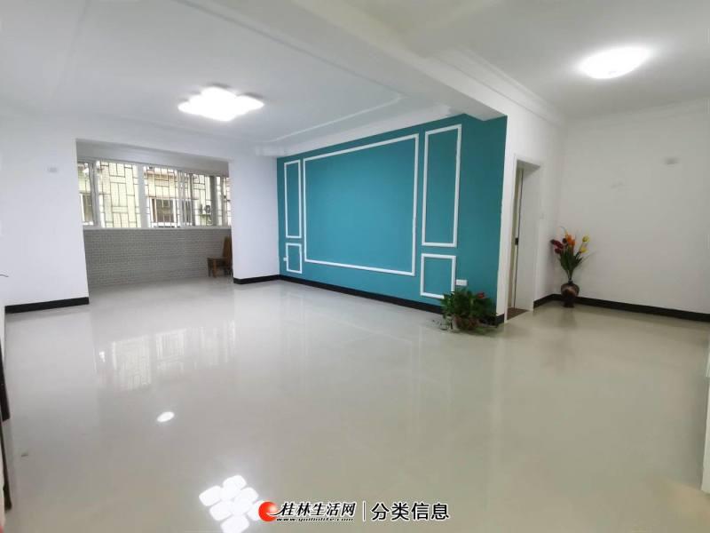 新出  龙福小区   精装修   3房2厅2卫
