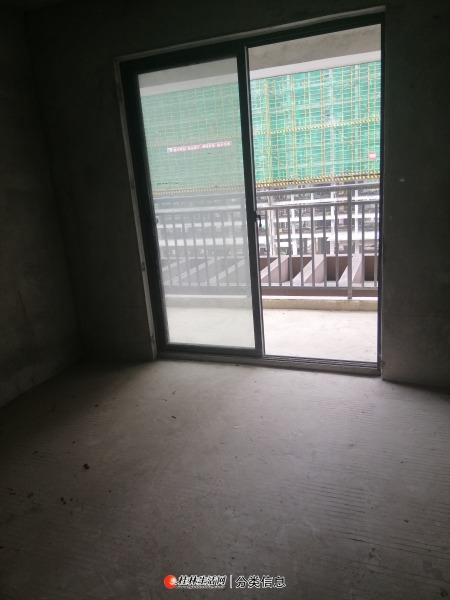 秀峰区城中雅居大三房两厅两卫带个车位