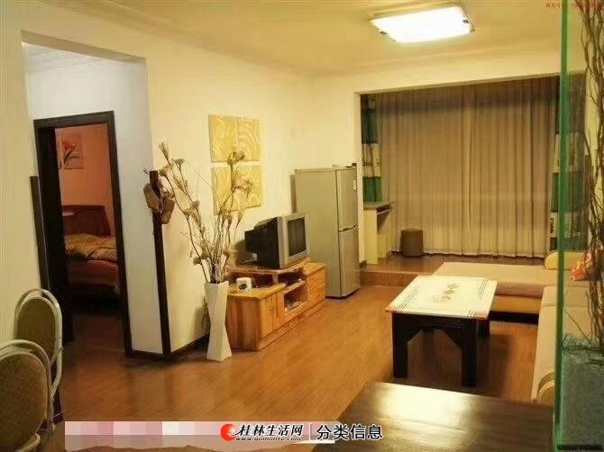 七星区奇峰小筑黄金3楼2房2厅74平精装修拎包入住