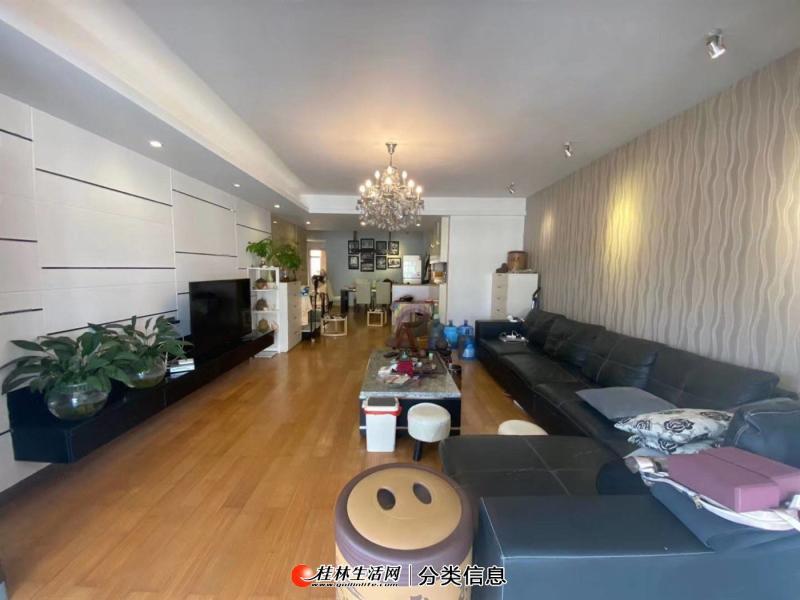 七星区兰乔圣菲东晖国际大三房电梯高层豪华装修,采光好,房子很新送家电家具
