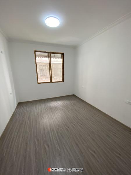 秀峰区中华小学 太和里 养生二楼 精装两房 带杂物间