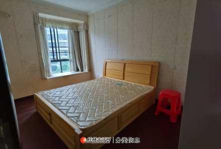 88高档小区理想领域两房两厅三台空调拎包入住