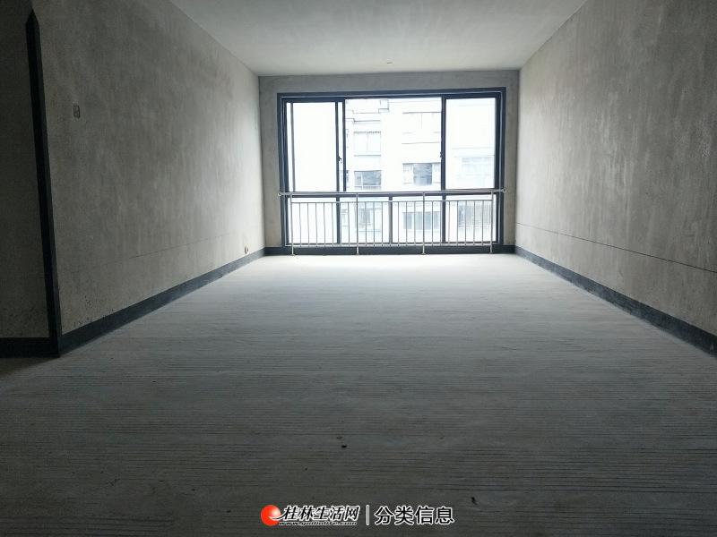 七星区冠泰水晶城,3房2厅2卫,客厅宽敞,户型方正