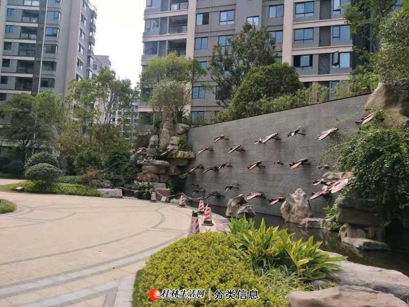 S漓江郡府秒杀4房2厅2卫,129平米,仅售155万,4楼,毛胚,比售楼部便宜很多的稀缺房子!