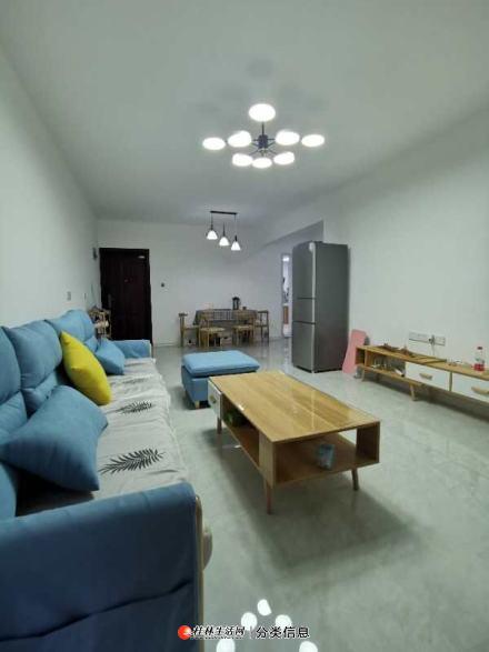 临桂区兴荣郡电梯7楼,2室2厅1卫,家电家具齐全,拎包入住