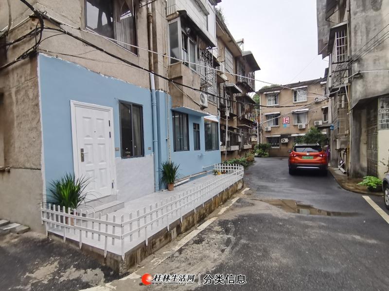 L中华 桂中双学区 漓江边 龙珠路8号 精装2房带院子 拎包入住