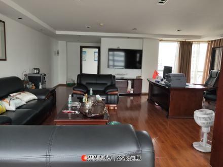 七星区三里店财富名城电梯10楼纯写字楼200平米出租,精装修,办公设备齐全