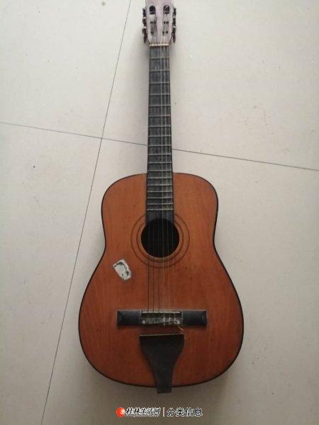 吉 他 低 价 出 售
