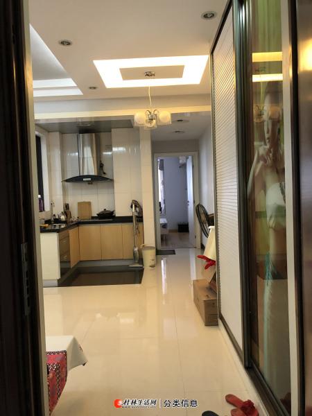 叠彩区桂圳城市领地 精装 1 房 1厅