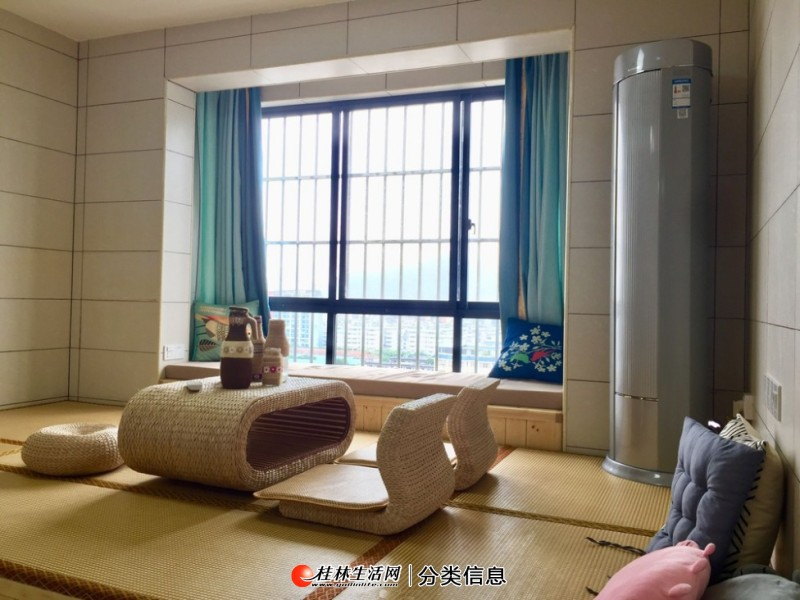 万象城对面,嘉多国际广场,电梯13楼2房1厅2卫,家电家具齐全,月租2500元,