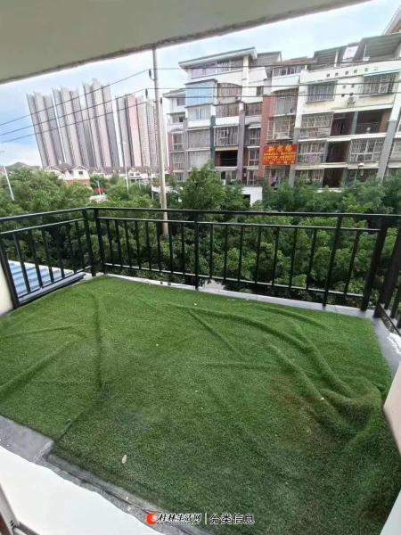 风景国际小区,2楼,复式精装温馨2房,带大露台,31.5万