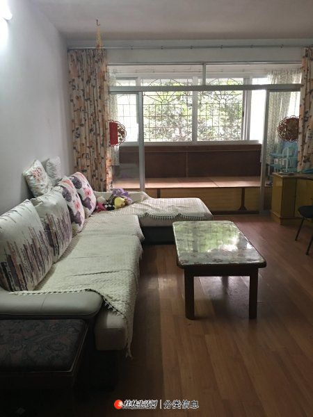 美食城南新路,高1楼2房2厅1卫,93平方,家电家具齐全,月租1200元,租