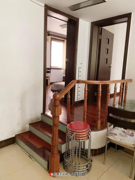 世纪花园小区东安街,三楼,2房2厅2卫98平方 精装修3空调家电家具全,1500元月有保安