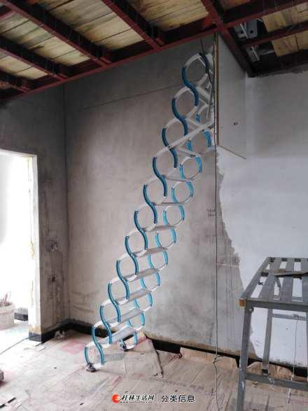家庭或门面室内阁楼使用的伸缩楼梯