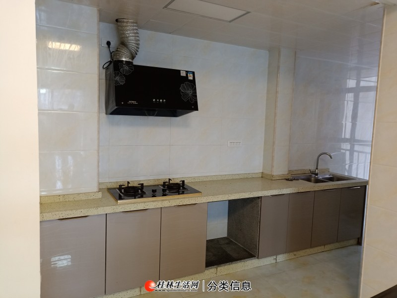 联发欣悦 电梯房出租1800 恒大江湾国奥城旁