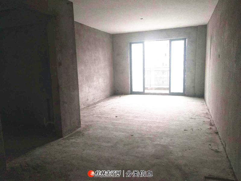 华润万象城附近,耀和荣裕电梯10楼,3室2厅1卫,户型方正,南北通透