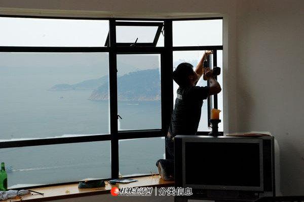 临桂专业门窗维修/安装 换纱窗等 各类门窗 雨棚隔断