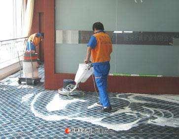桂林全市专业地毯清洗公司:各种地毯清洗、地毯消毒杀菌除油除渍公司电话