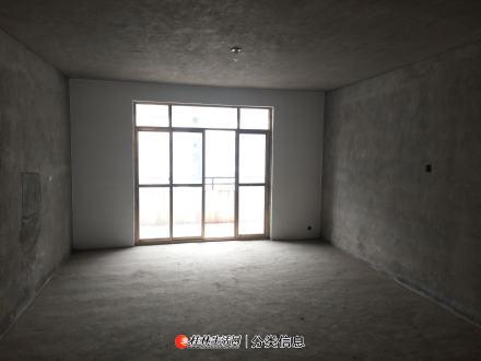 七星区龙隐小学 公园绿涛湾 4楼 清水3房2厅2卫