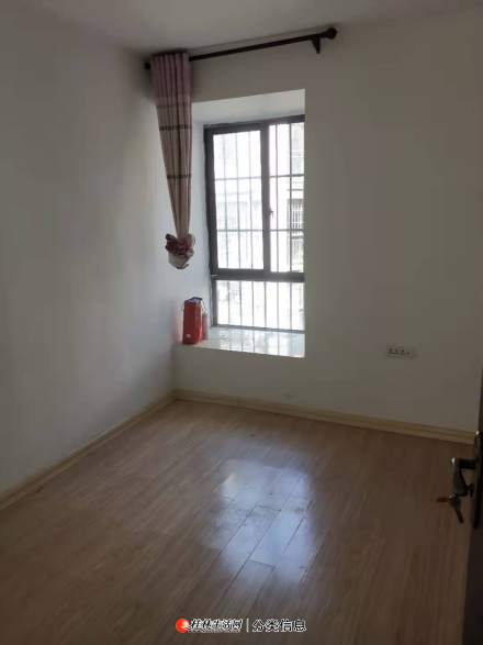 出租 建干路联发旭景 25栋2单元402 三房两厅两卫 1800一个月