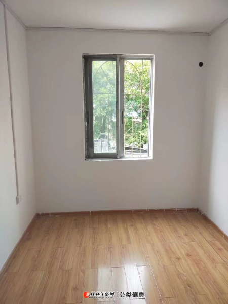 奇峰小筑银峰苑6房2厅3卫,二楼,181平方79万