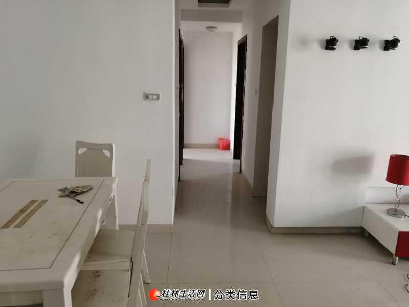 六合路电子科大,激光所上东国际电梯8楼3房首租