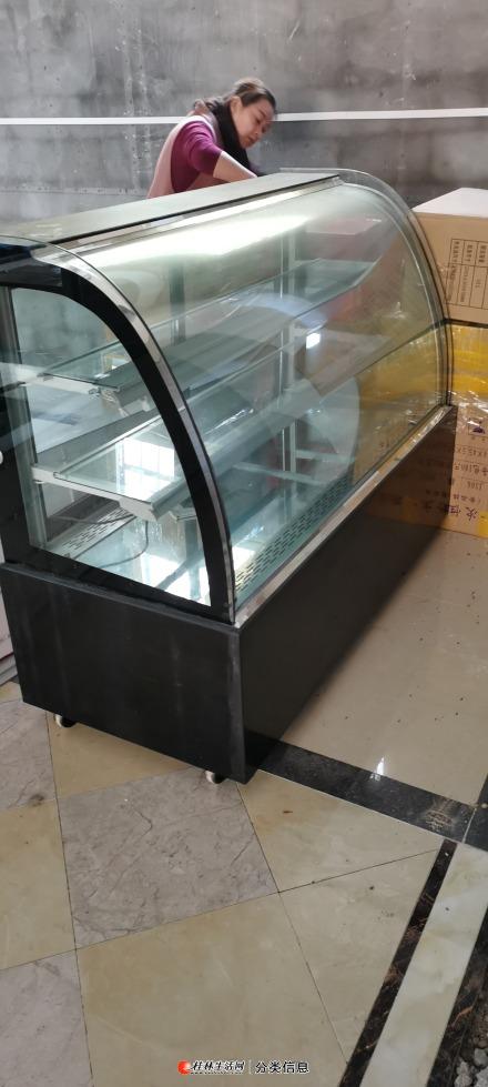 蛋糕柜低价处理,8成新