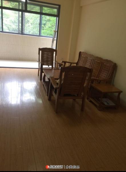 金水路香樟林3房2厅2卫1厨1200元每月