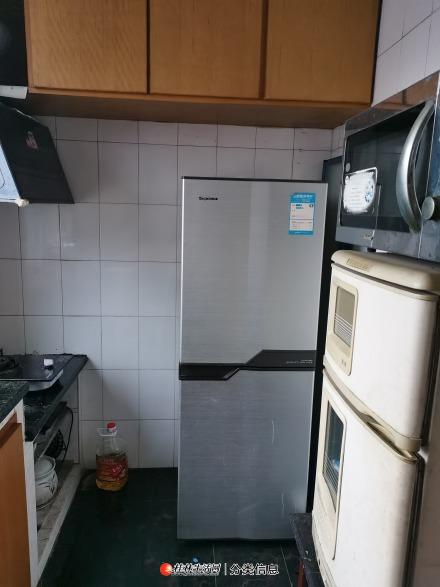非中介【合租】三房两厅位置超级好!