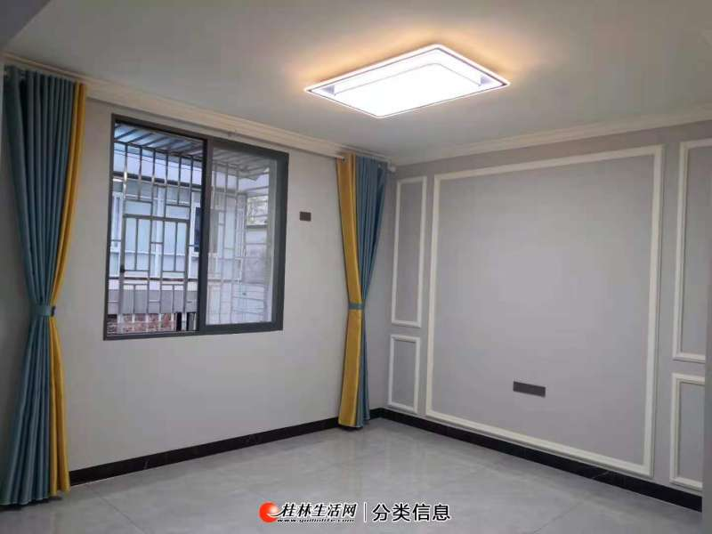 Z 七星花园 黄金二楼 3房2厅2卫 全新精装修 105平 68万