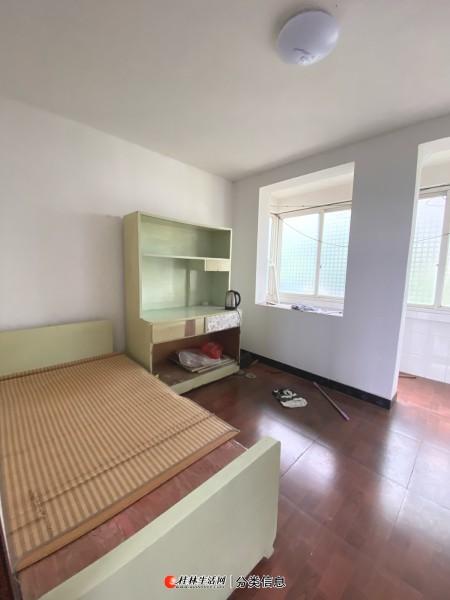 兴进嘉园旁 八中学校宿舍 3房2厅 降价40万出售
