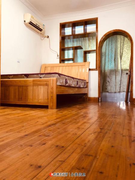 丽君路精装修一房一厅,家电家具齐全。