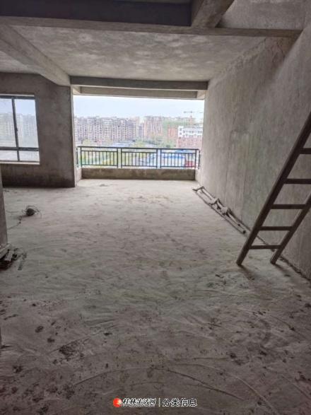 九龙佳苑一品嘉苑龙福小区漓江明珠八里街150平45万四室露台