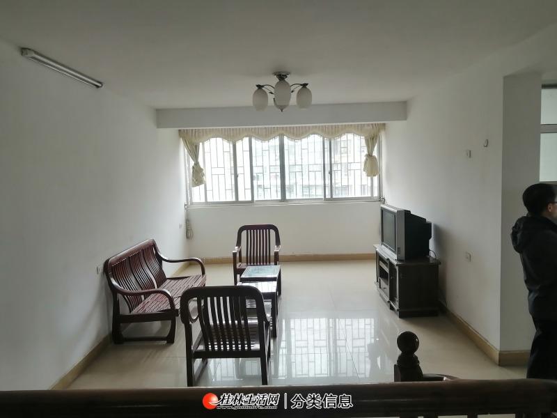 临桂区金水路兴林小区3房带杂物间46.8万