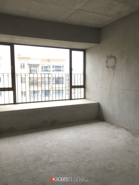 龙光普罗旺斯南区74平2房2厅1卫好楼层入住率高的组团