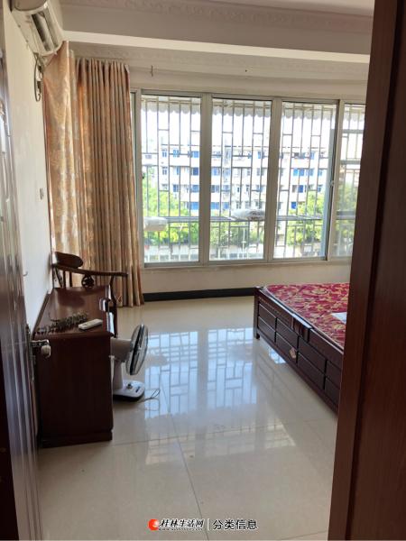 瓦窑彰泰城旁德天广场2室2厅家具家电齐全只要1400/月随时可以看房