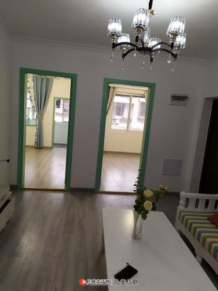 叠彩区中山北路,观音阁工行宿舍五楼,63平米,两房一厅