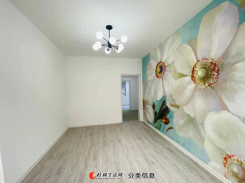 中华小学学区房叠彩路四号大院2楼精装2房1厅70平88万