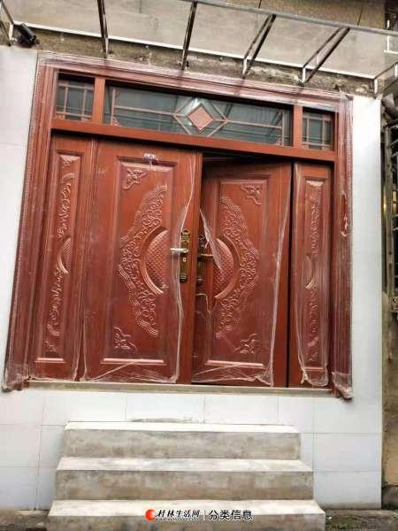 桂林附件厂1楼门面房急售2房1厅75平方88年建50万