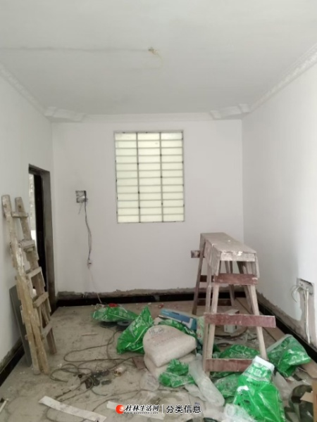 一小学位房全新装修一房一厅62.75平方18万!