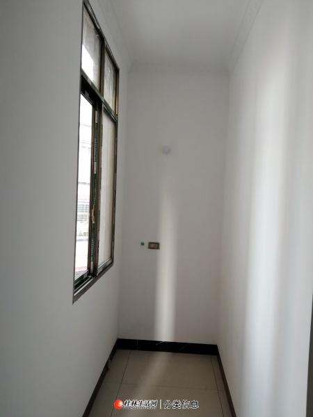 一小学位全新装修63平方一房一厅,中间楼层,16万,新房子,首付2万,月租低月供.