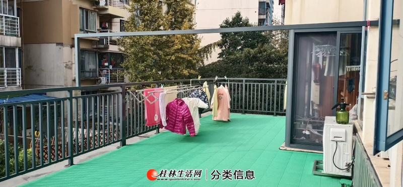 彰泰鸣翠新都步梯三楼精装3房2厅2卫125平带40平大露台出售