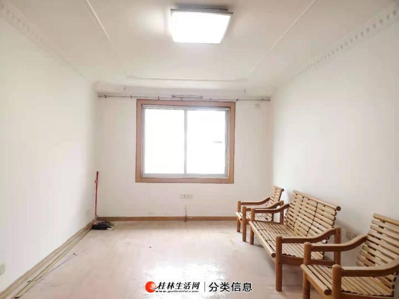 Q联达广场旁,喜树林,3房2厅2卫,4楼,有车库