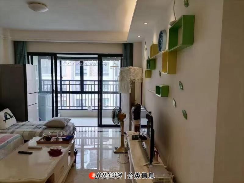 象山区瓦窑博望园,电梯六楼三两厅两卫房东急卖,原价90万的现在76万