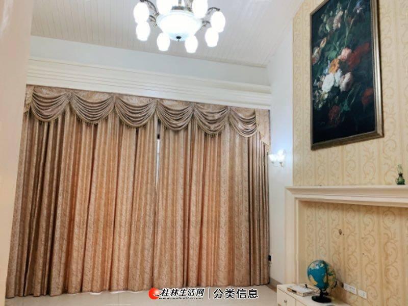 梧桐墅上下两层实用面积200平方米6室2厅2卫